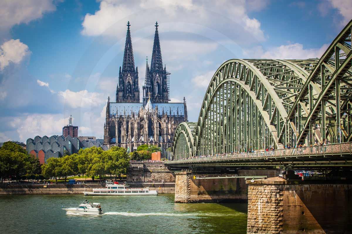 Acrylbild Köln am Rhein. Moderne Kunstbilder und Fotografie