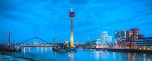 Bilder Medienhafen Düsseldorf Skyline bei Nacht | Foto Art Nacht Panorama aus dem Medienhafen Düsseldorf