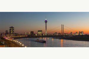 Bilder aus Düsseldorf | Skyline & Rhein Panorama bei Nacht