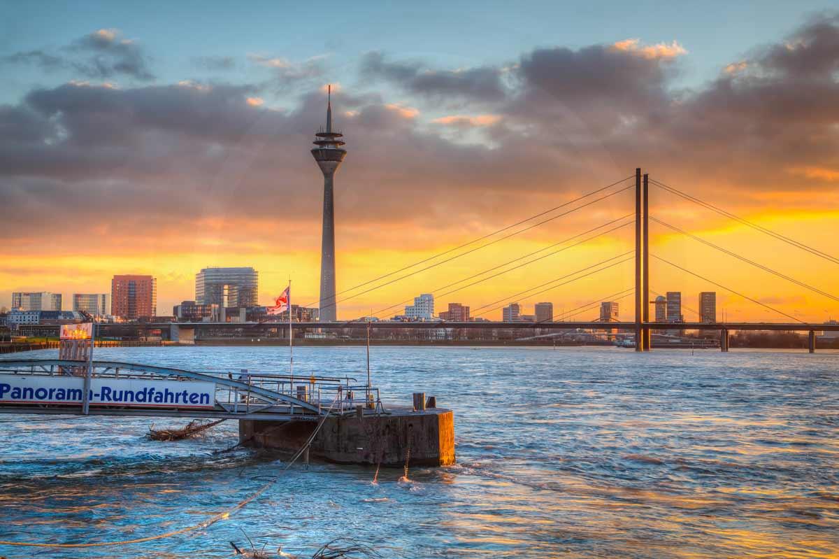 D sseldorf kunst panorama bild rheinpanorama skyline - Dusseldorf bilder auf leinwand ...
