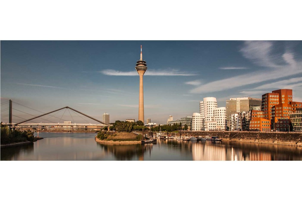 d sseldorf fotografie modernes skyline bild vom rhein. Black Bedroom Furniture Sets. Home Design Ideas