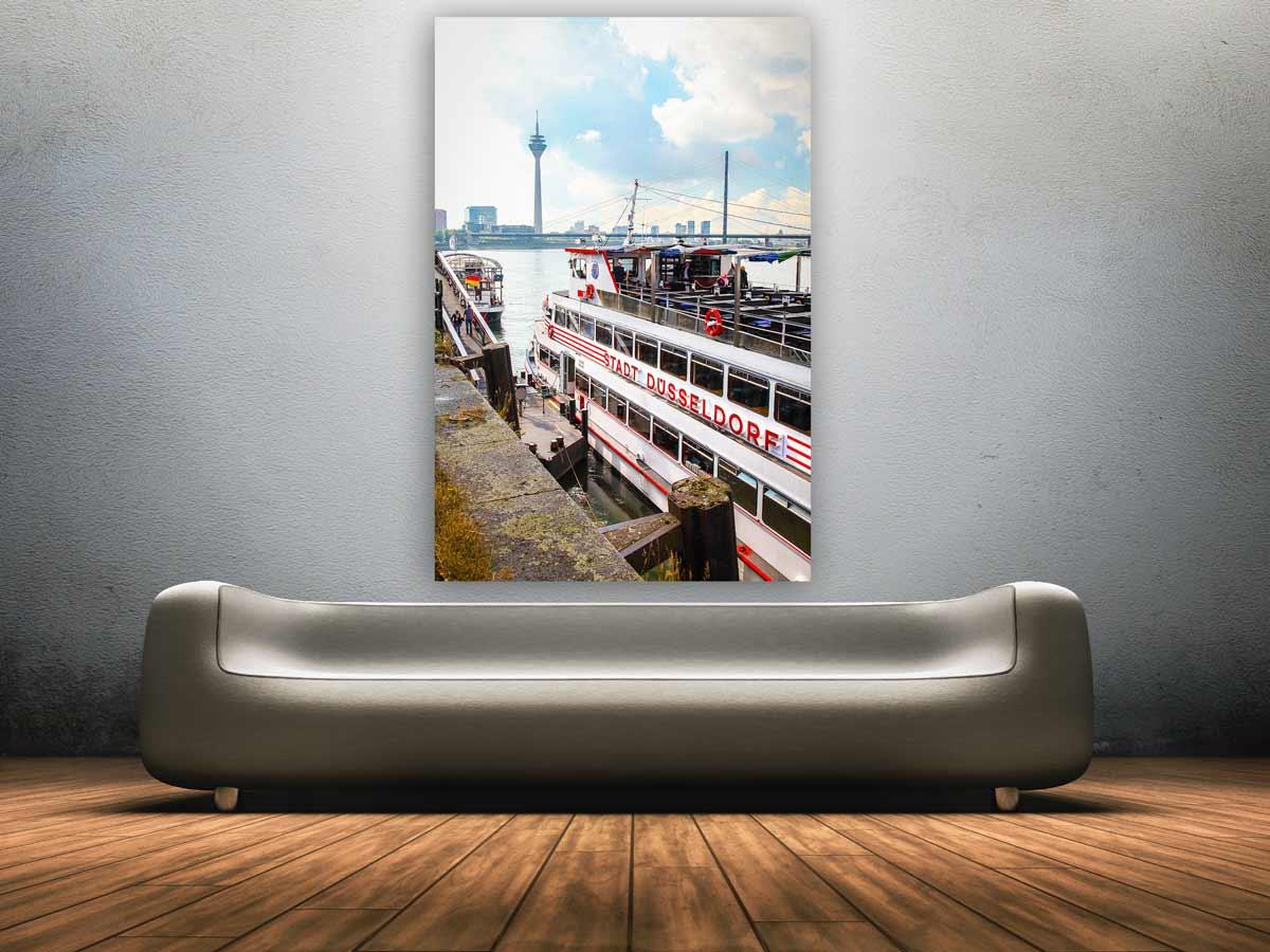 d sseldorf hochformat panorama mit rhein kasematten und rheinturm. Black Bedroom Furniture Sets. Home Design Ideas