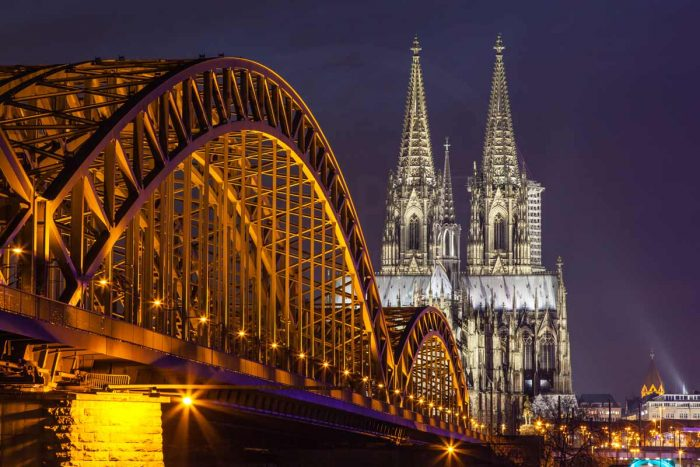 Fotokunst Köln Panorama bei Nacht | Kölner Skyline mit Rhein