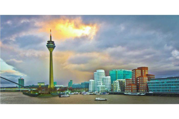 Kunstbilder Düsseldorf Panorama Motiv | Deine Wand wird es lieben!