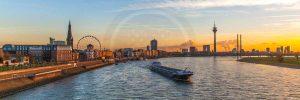Panorama Bild Düsseldorf als modernes Wandbild auf Leinwand und Acryl