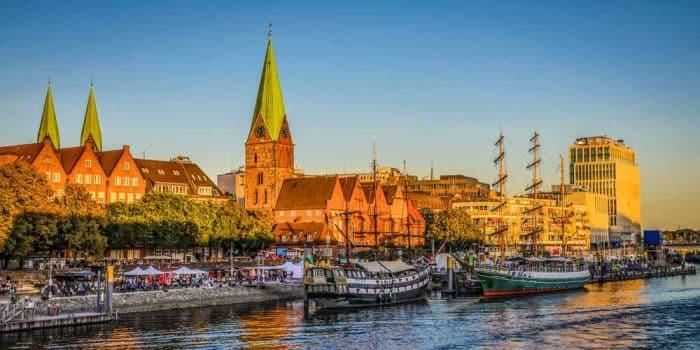 Panorama Bremen Bild aus der Hansestadt. Acrylbild und Leinwandkunst