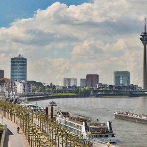 Panorama Motive und Kunst Bilder aus Düsseldorf mit Skyline und Hafen.