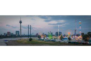 Rheinkirmes Düsseldorf Panorama Skyline Ansicht | Kirmes am Rhein