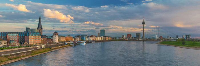 Skyline Bilder aus Düsseldorf | Rhein Panorama Kunst Motive