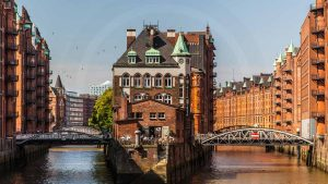 Hamburg Speicherstadt - Art Panorama Bilder von Elbe und Hafen Skyline