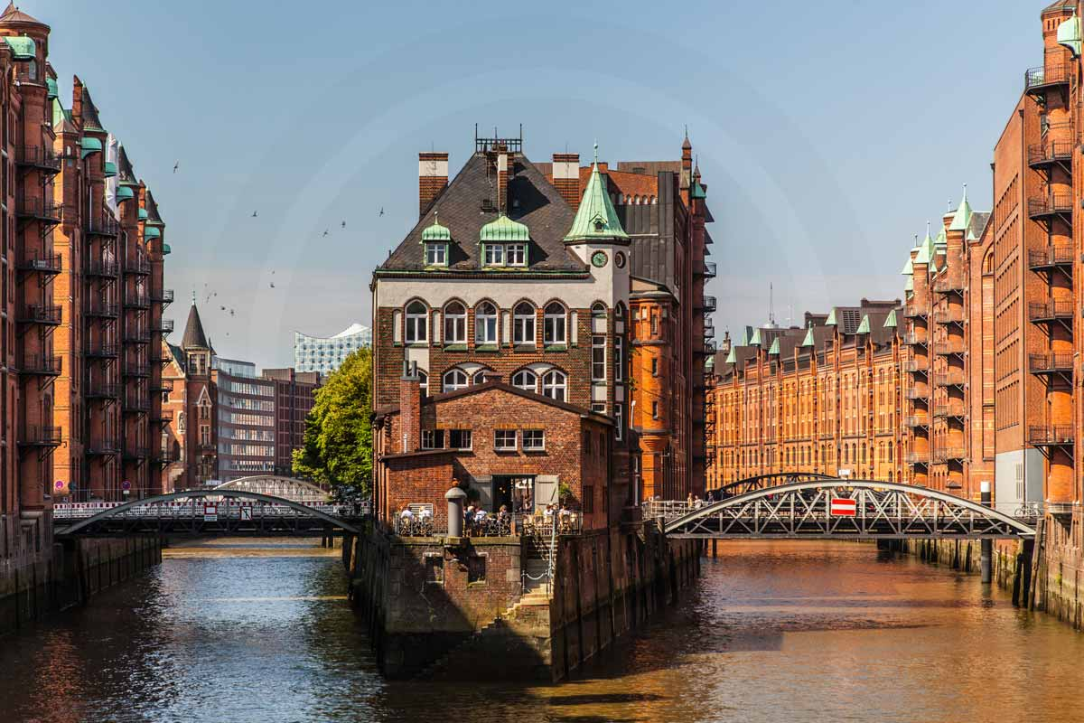 hamburg speicherstadt art panorama bilder von elbe und hafen skyline. Black Bedroom Furniture Sets. Home Design Ideas