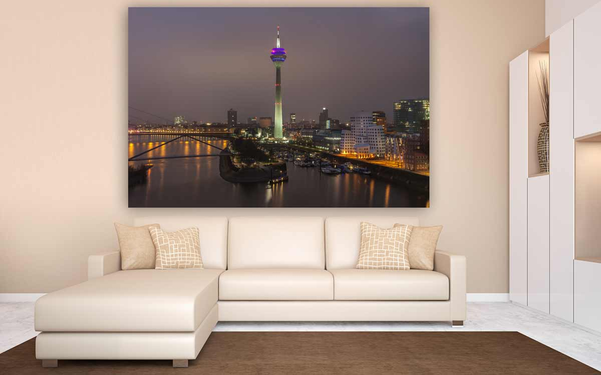 rheinturm d sseldorf panorama bild ansicht auf den medienhafen. Black Bedroom Furniture Sets. Home Design Ideas