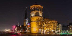 Schlossturm Düsseldorf Panorama am Burgplatz | Kunst Bilder aus Düsseldorf bei Nacht