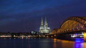 Skyline Köln Panorama bei Nacht |Moderne Kunst Bilder aus Köln am Rhein mit DOM und Hohenzollernbrücke