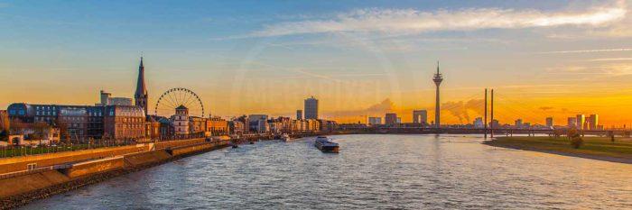 Panorama Bilder aus Düsseldorf | Skyline mit Rheinturm und Medienhafen Düsseldorf