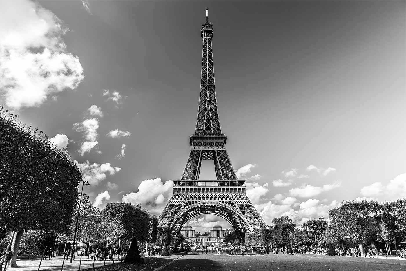 paris en black white kunst panorama bild aus paris moderne fotokunst panorama pop art. Black Bedroom Furniture Sets. Home Design Ideas