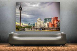 Kunst Panorama der Düsseldorf Skyline | Rheinturm und Gehry Bauten am Rhein