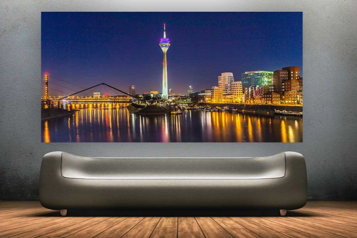 Düsseldorf @ Night | Fotorealistisches Kunst Panorama und Skyline Motiv