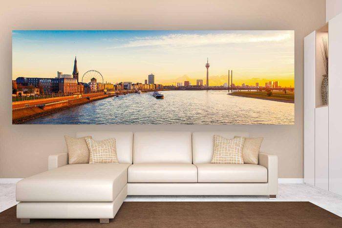Düsseldorf Panorama mit Riesenrad und Rhein | Düsseldorfs Skyline als Kunst Bild, moderne Fotokunst und Collagen